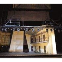 Moving the stage without drama: reliable energy supply for stage technology with igus e-chains