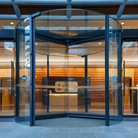 Entrance Systems | ATRIUM PLUS Revolving Doors
