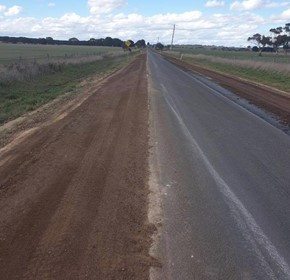 How to build stronger road shoulders with PolyCom Stabilising Aid