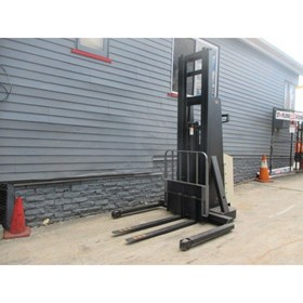 1 Ton Walkie Stacker Current Model #1566 - Used