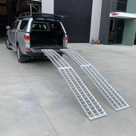 Aluminium Curved Folding Lawn Mower Loading Ramps | Heeve x 1-Tonne