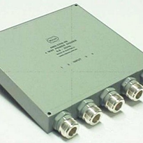 UHF 4 Way Power Divider
