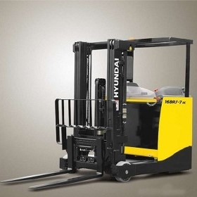 Hyundai Sit Down Reach Truck