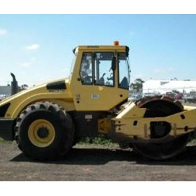 Used bomag bw211pd-4 vibrating pad foot roller