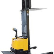 Walkie Straddle Stacker