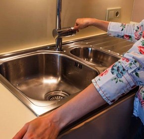 Commercial Kitchen Equipment 101: Sinks and Dishwashers