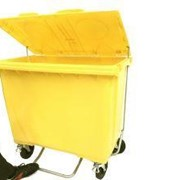 660 Litre 4 Wheel Plastic Bin with Foot Lid Lifter in Yellow