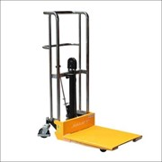 Platform Stacker Manual Lifting 1800mm Capacity 400kg