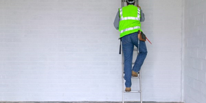 Vic worker dies after 4.3m fall from ladder