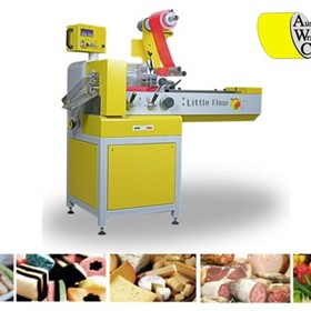 TLM Little Flow Wrapping Machine