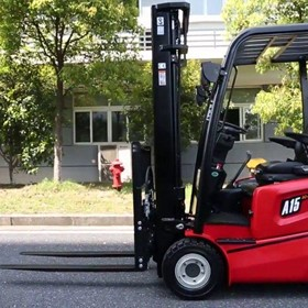 2.0T THREE-WHEEL ELECTRIC FORKLIFT TRUCK