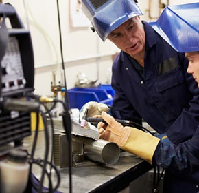 Business groups call for action to rescue ailing apprenticeship system